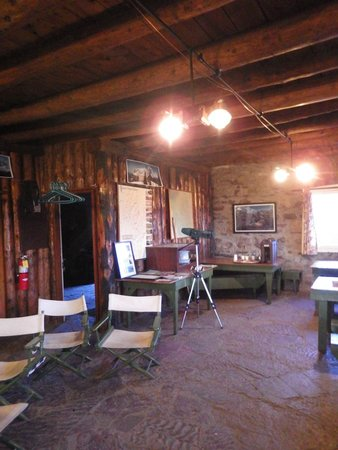Granite Park Chalet: Main Chalet Lobby/Dining Room