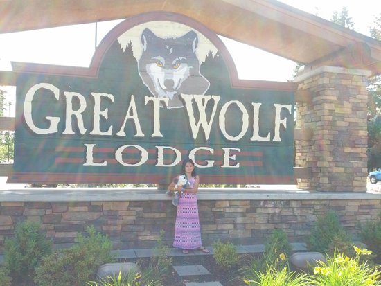 Great Wolf Lodge: just in case you forgot where you were...