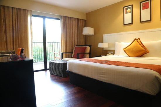 Novotel Phuket Surin Beach Resort. : Room