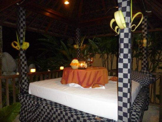 Komaneka at Tanggayuda : The romantic dinner...you have to do it!