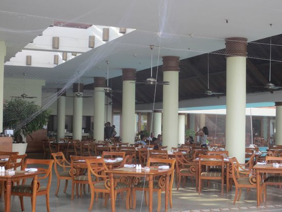 The Leela Kovalam Beach: Restaurant
