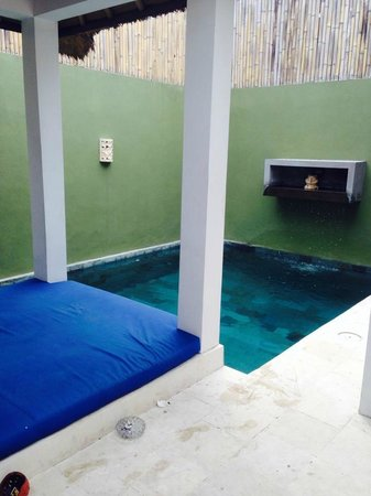 Jas Boutique Villas: pool and gazebo