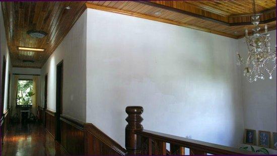 Vilayvang Guest House: du bois de toute beautée