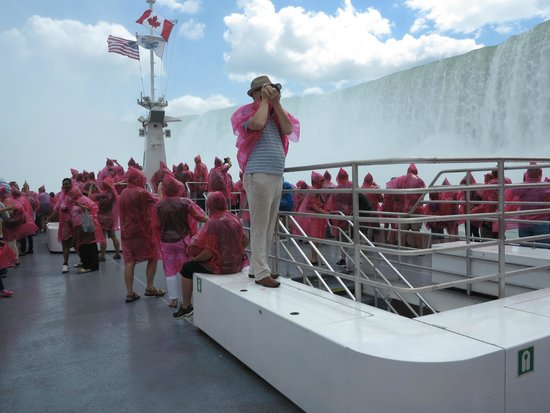 "Zoom Tours: On board the ""Hornblower"" Niagara Falls"