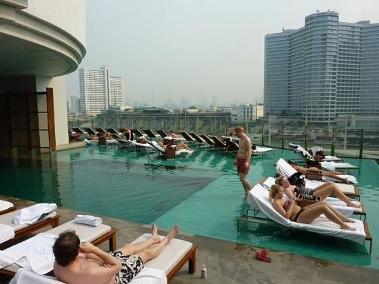 Millennium Hilton Bangkok: Pool