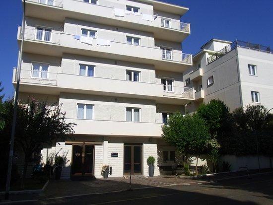 Hotel Club House Roma: クラブハウスローマ