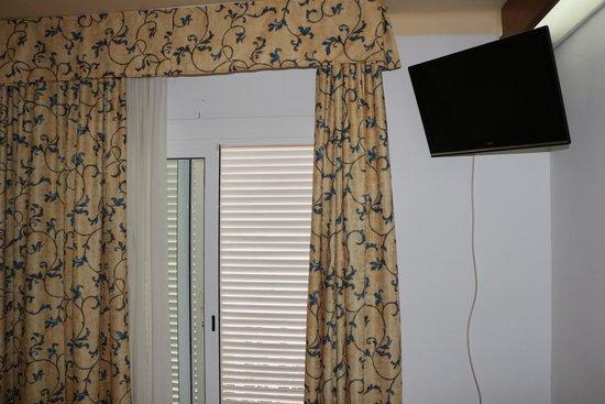 GHT Hotel Neptuno: Дверь на балкон номера 305
