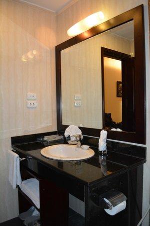Hanoi Medallion Hotel: salle de bain