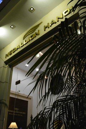 Hanoi Medallion Hotel: Facade