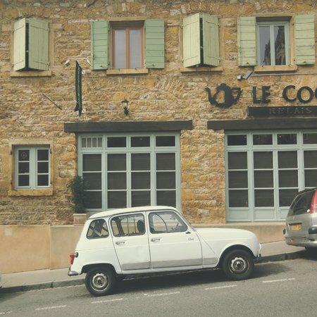 Vieux Lyon: vintage car