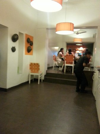 That's Y Food: Dinning area