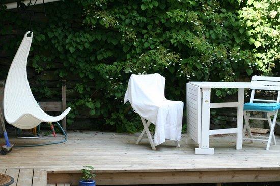 Alkoven Guesthouse: nice garden