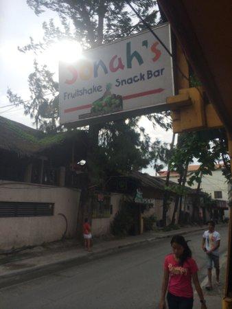 Boracay Beach Club: Jonah's fruit shake just next to BBC