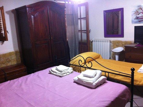 Casa di Valentina B&B : camera familiare