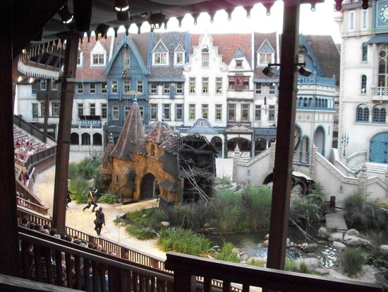 "Efteling: Curtains down and behold ""the city of Ravelijn"" for the Fire, Water and Horsemen show..."