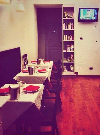 La Signoria di Firenze B&B: Café da manhã simples mas bem gostoso. Tem croissant doce, pão, manteiga, NUTELLA :), yogurt, ca