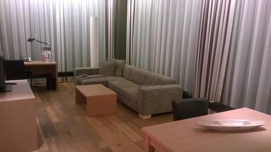 Holiday Inn Schindellegi - Zurichsee: zona soggiorno della camera