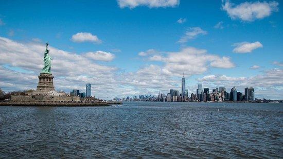 Manhattan Skyline: Manhattan from Liberty Island