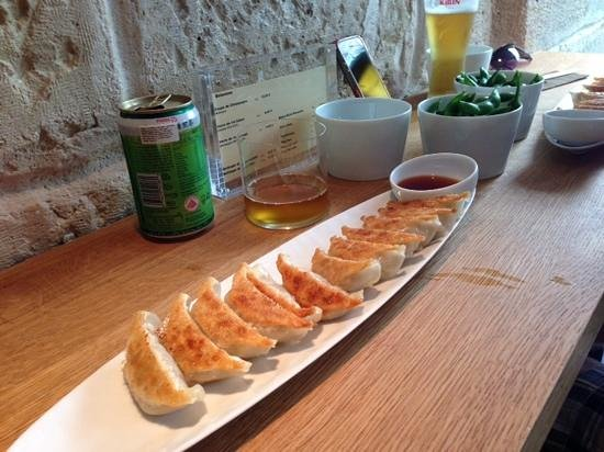 gyozas et damam s th vert froid en canette photo de gyoza bar paris tripadvisor. Black Bedroom Furniture Sets. Home Design Ideas