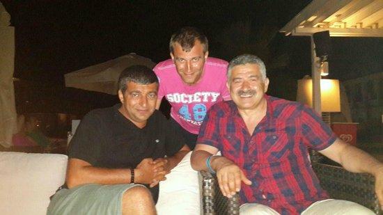 Jiva Beach Resort: havuzbası barda tanıstııgm dostlarla