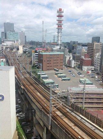 Apa Villa Hotel Sendaieki-Itsutsubashi : 鉄っちゃんには最高