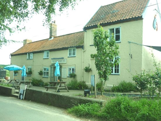 The Eels Foot Inn: outside daytime