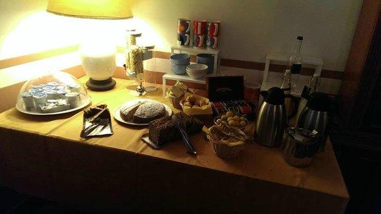 """Agriturismo """"La Topaia"""": Buffet per colazione"""