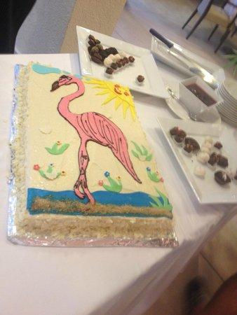 Flamingo Grand: Flamingo cake