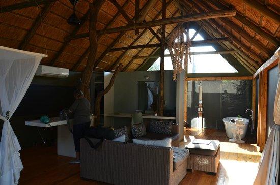 Victoria Falls River Lodge - Zambezi Crescent: Inside my tent