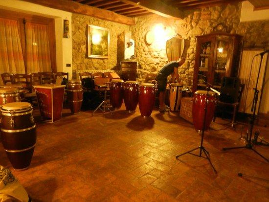 """Campo Ruffaldo: La sala con i """"nostri"""" tamburi.."""