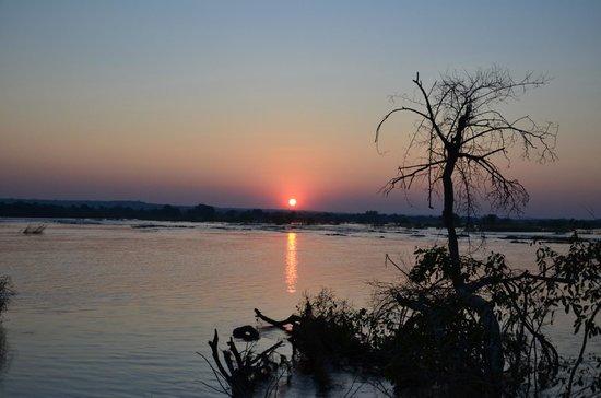 Victoria Falls River Lodge - Zambezi Crescent: What a sundet
