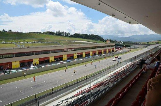 Autodromo del Mugello : Panoramica del rettilineo di partenza