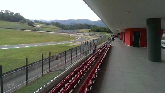Vista dalla tribuna biondetti picture of autodromo del for Puerta 6 del autodromo