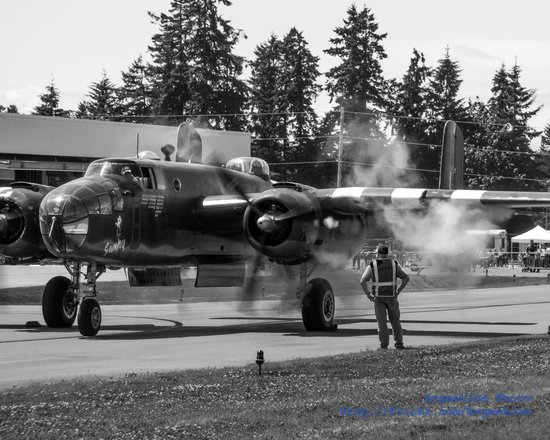 Historic Flight Foundation: Historic Flight's B-25 Mitchell Starts Up