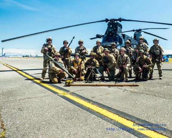 Historic Flight Foundation: WWII Reenactors & US Army Rangers in front of a MH-47