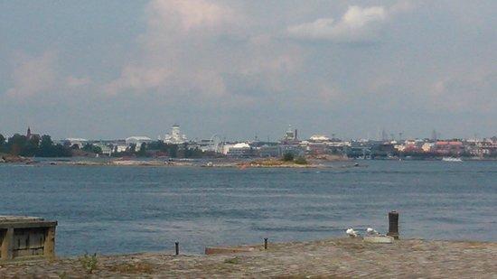 Forteresse de Suomenlinna : Helsingfors sett från båten