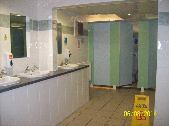 Whitby Holiday Park: Toilets & Shower Block - For Touring & Motorhome Customers