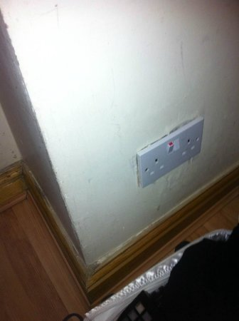 European Hotel: plug socket that was apparently safe