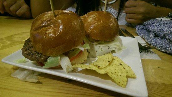 Taberna la Strazza: Mini hamburguesitas de ibérico
