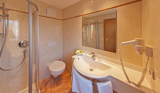 Hotel Reischach: Badezimmer
