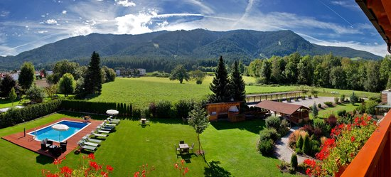 Hotel Reischach: Aussicht Garten