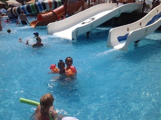 Long Beach Resort Hotel & Spa: çocuklar için korsan gemisi kay kay cenneti