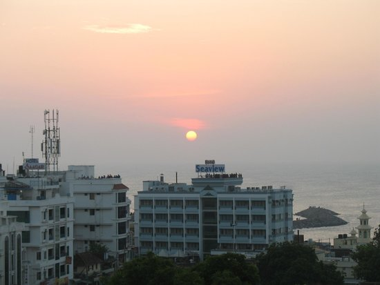 Hotel Sun World : Sunrise from Sea Facing Bedrooms