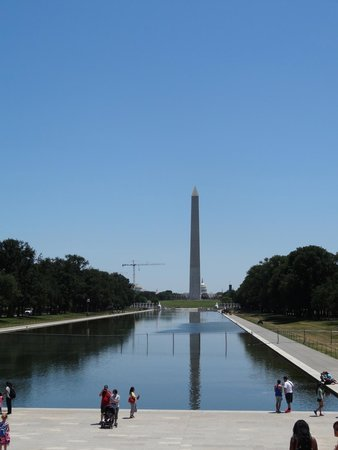 Lincoln Memorial: The reflecting pool & the Washington Monument