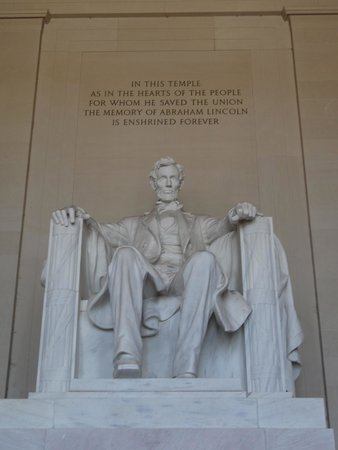 Lincoln Memorial: Lincoln's statue
