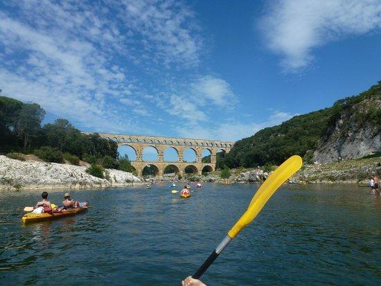Canoe collias : Arrivée au Pont du Gard