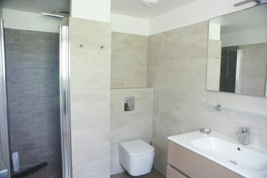 Residence Motel Aria Marina: Salle de bain attenante à la chambre parentale