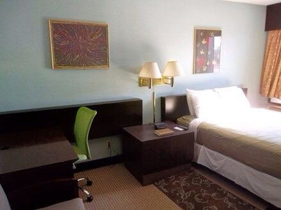 Claremont Hotel Las Vegas: Bedroom 1