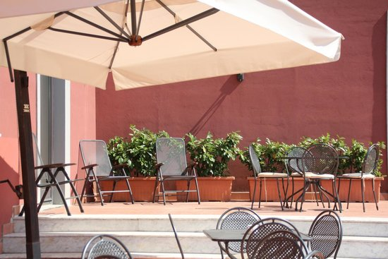 Hotel Nuvo: Hotel Nuvò: terrace - detail