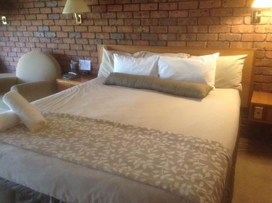 Comfort Inn Grange Burn: king room